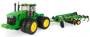 Ertl John Deere 1:16 Scale 9530 4WD Tractor with Ripper 46766